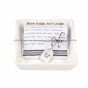 Fudge Baker with Towel Set