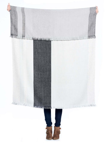 Reversible Alpaca Throw Monochrome