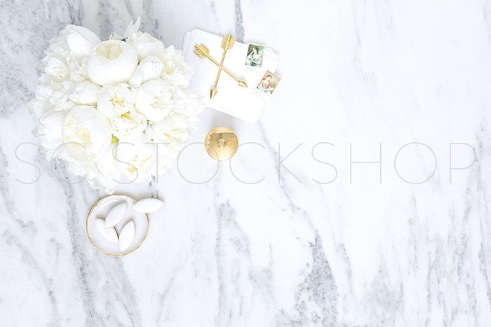 White on Marble Desktop Collection