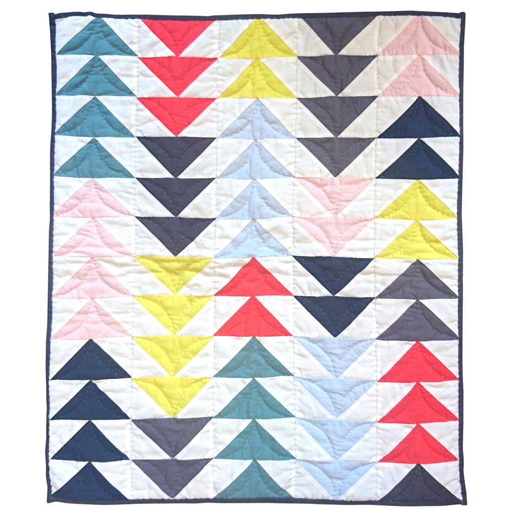 Children's Handmade Quilt Playmat Flying Geese Multi-Triangles Multicoloured Winter Fine Cell Work