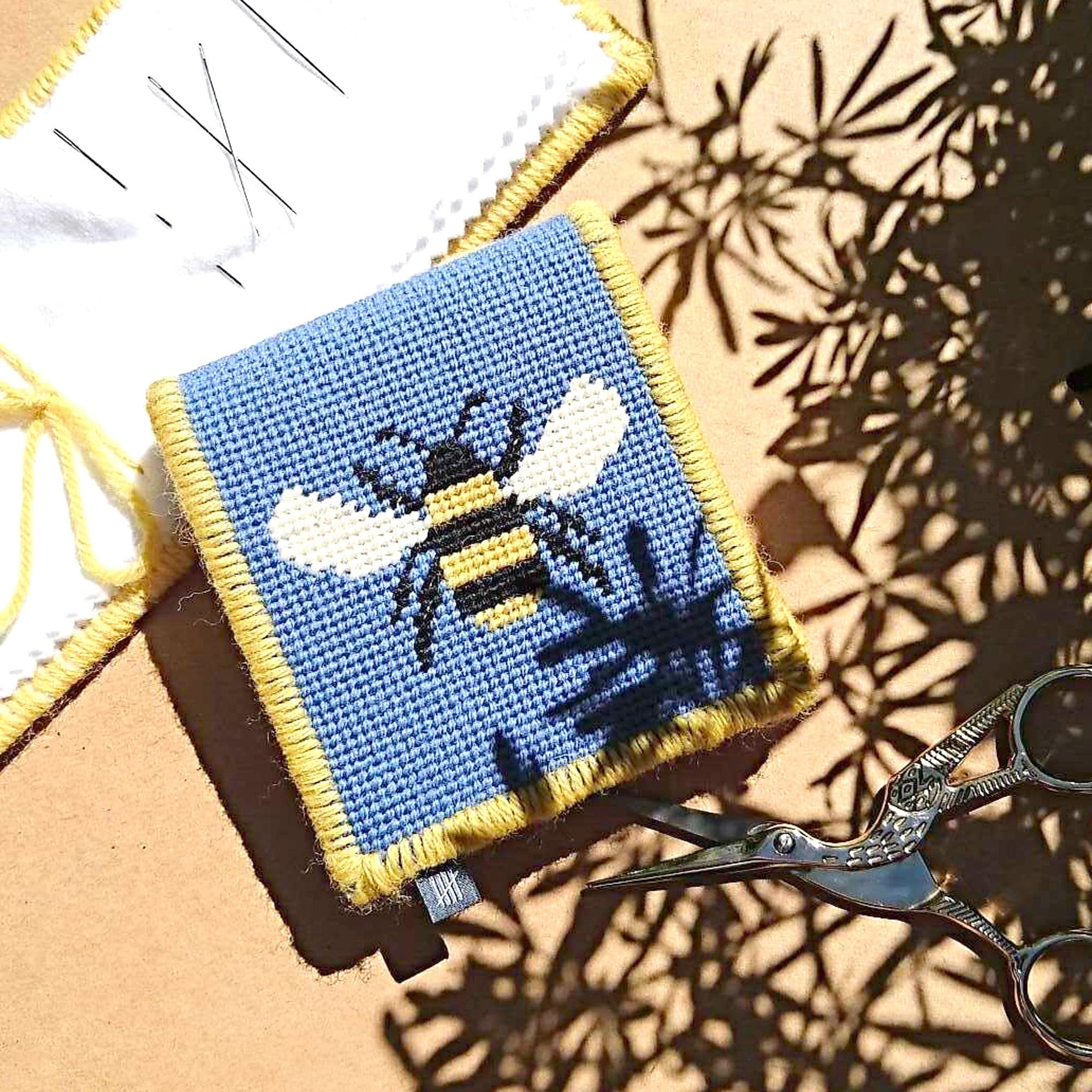 Needle Case Bee Design Blue