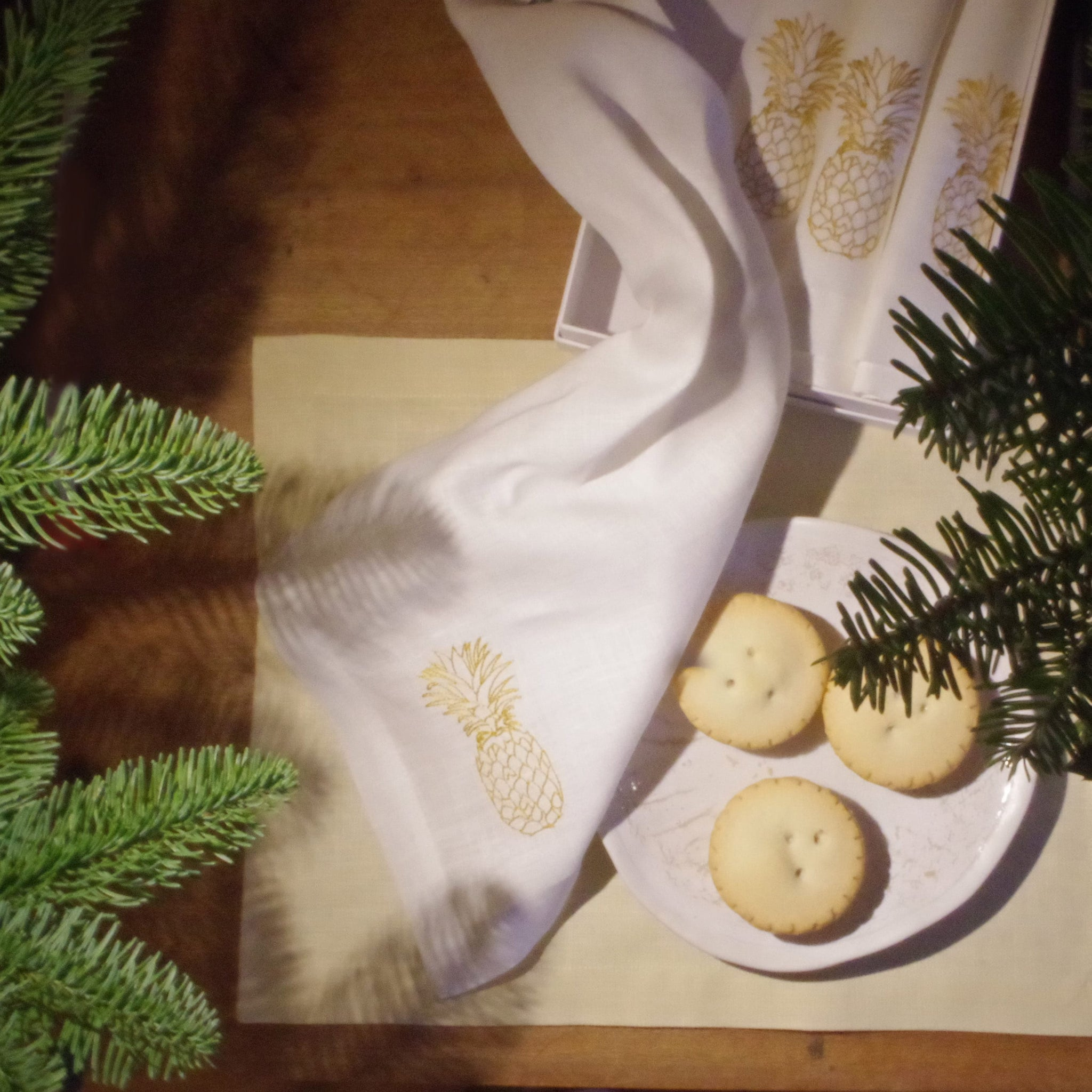 Set of 4 Linen Table Mats Gold