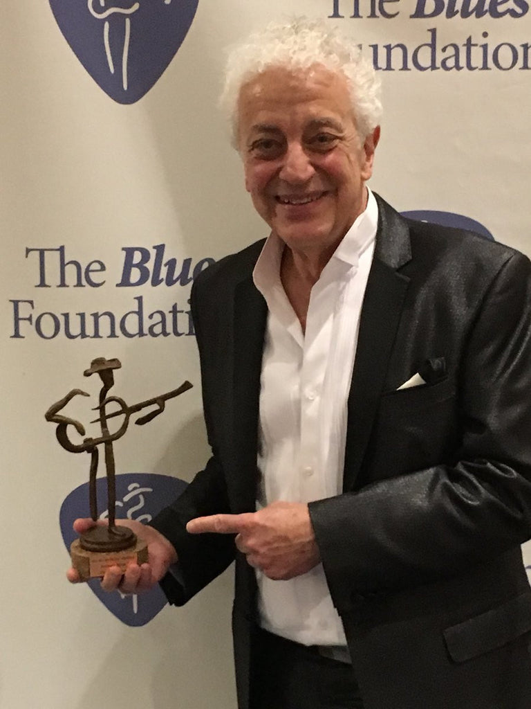 Doug MacLeod Wins 2017 Blues Music Award for Acoustic Artist Of The Year