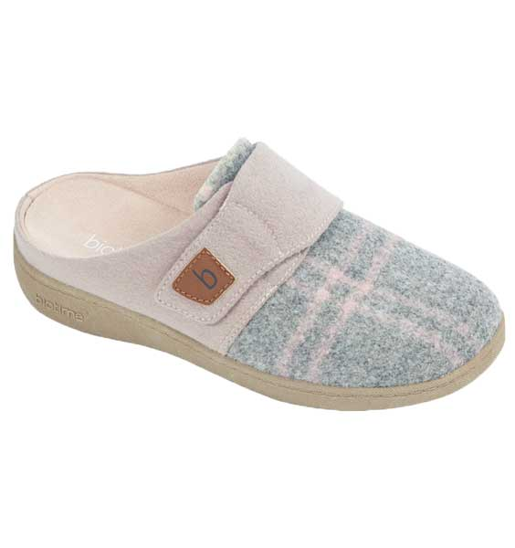 """BIOTIME"" Women's AMITY SLIPPER, PINK PLAID"