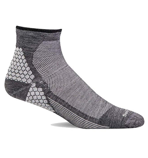 (SOCKWELL) Men's Moderate Compression, Plantar Sport Qtr (Charcoal)