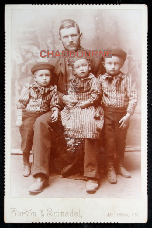 Late 1800s Illinois cabinet card photo of father and three