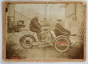 Photo @1920 three-wheel motorcycle  motocyclette a trois roues