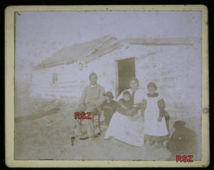 Vintage photo of Aboriginal family (Fort Pelly, Sask?) early 1900s