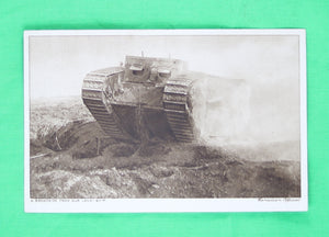 WW1: Set of three photocards of tanks in action (Daily Mirror Canadian Official Series) 1917 / Guerre 14-18 Trois cartes postales avec photos chars canadiens, texte d'un soldat