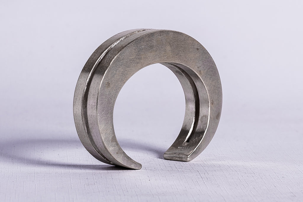 Crescent Crevice Bracelet (15mm, MA)