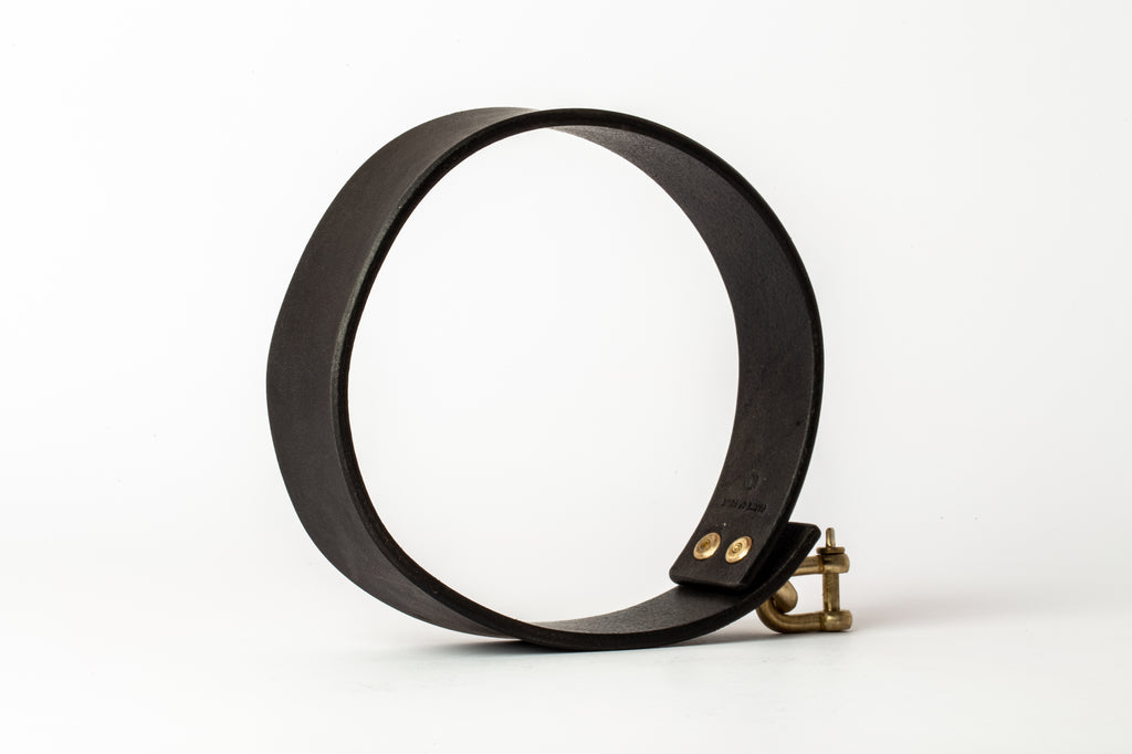 Leather Charm Choker (30mm, MR+BLK)