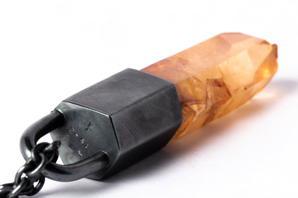 Bear Tooth Necklace Ghost (Small, B+MA)