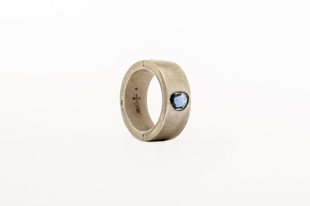 Sistema Ring (0.86 CT,  Sapphire Faceted Slab, 9mm, DA+SAF)