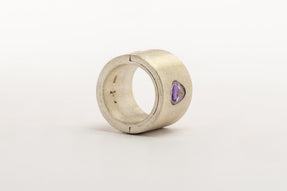 Sistema Ring (0.85 CT, Purple Sapphire Faceted Slab, 17mm, MA+SAF)