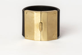Box Lock Bracelet (Facet, Wide, MR+BLK)