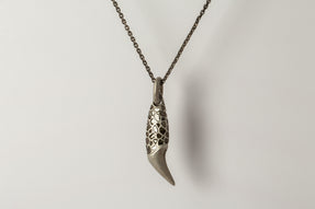Bear Tooth Necklace Ghost (Medium, Mega Pavé, DA+DIA)