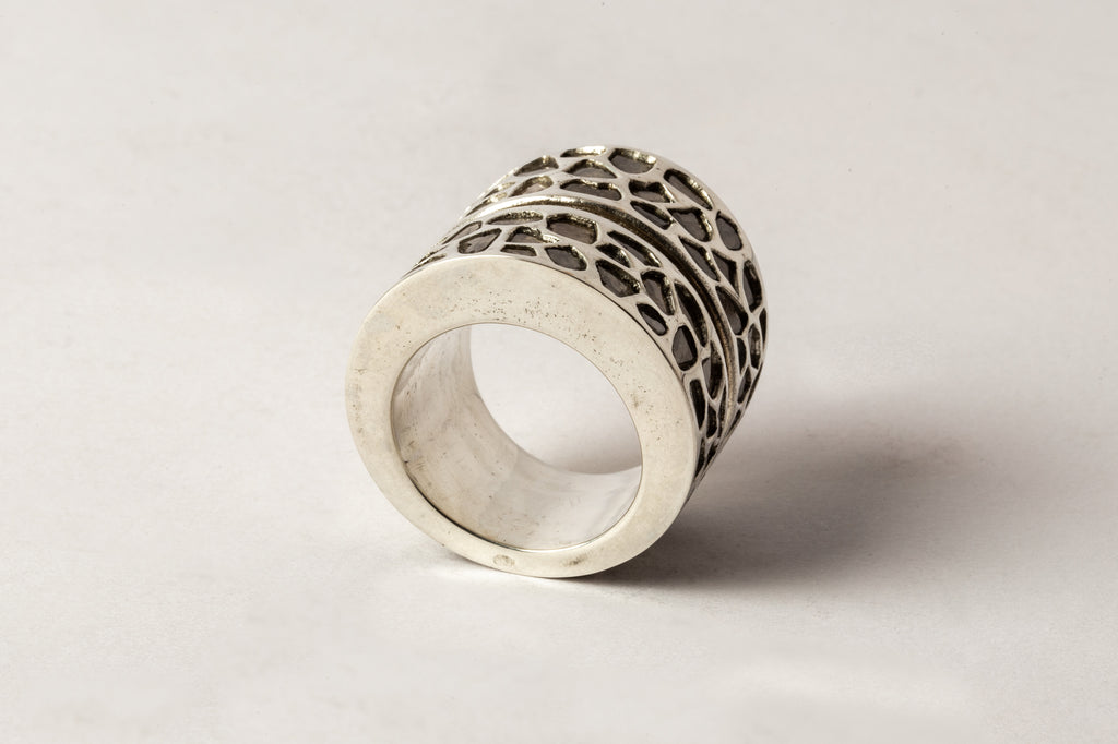 Crevice Ring (Hyper Wide, Mega Pave, PA+DIA)
