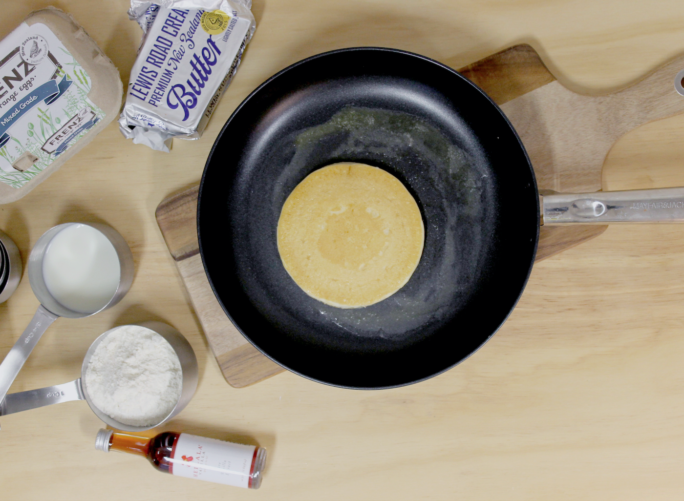Make perfect pancakes that will have everyone coming back for seconds (or thirds)!