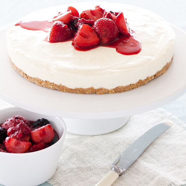 Cheesecake with poached berries