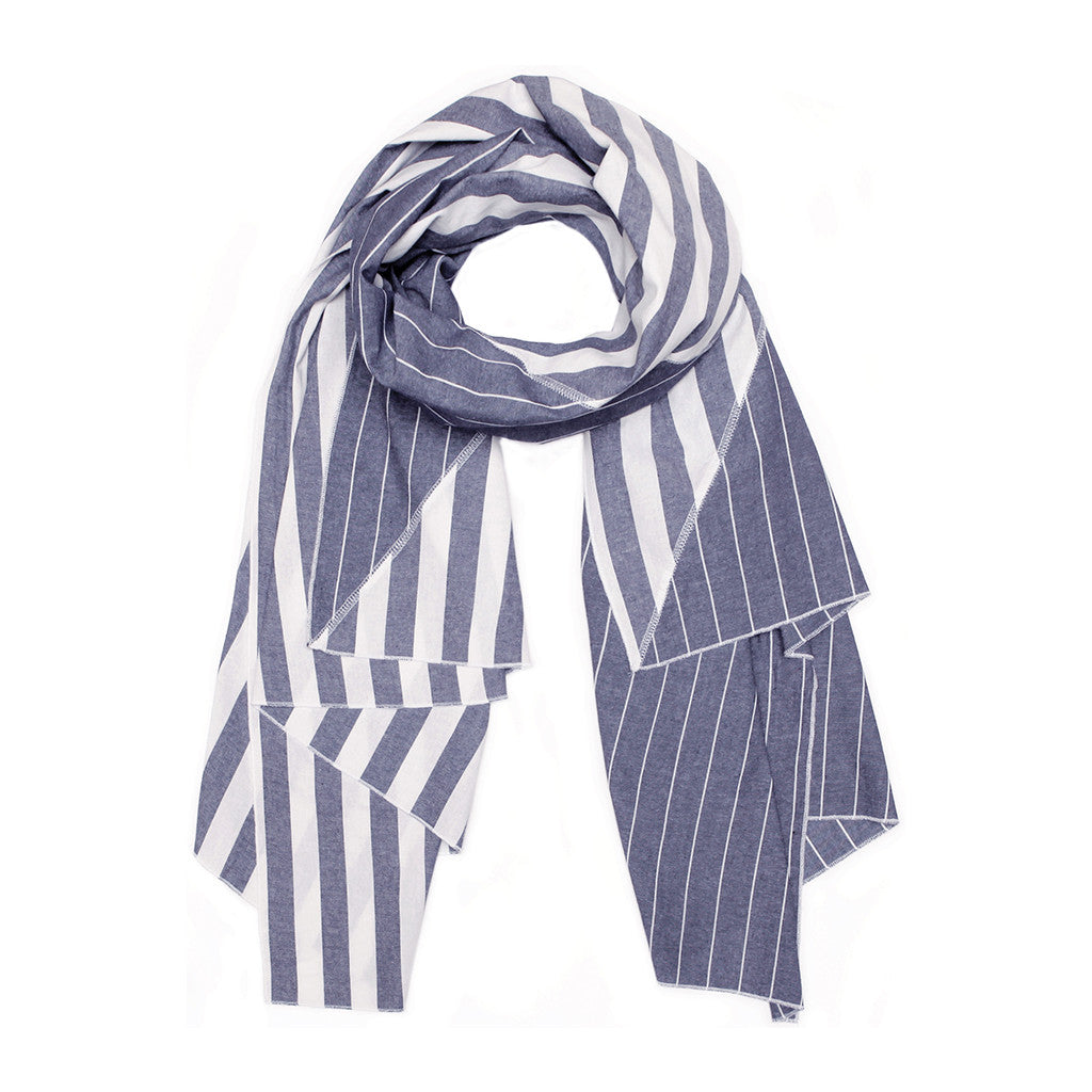 Diagonal Cut Scarf Navy Gingham/Mini Gingham