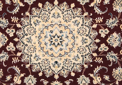 Nain rug with star in the middle