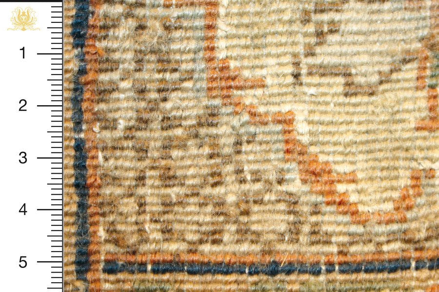 Ghom 250x165 closeup on knots from behind