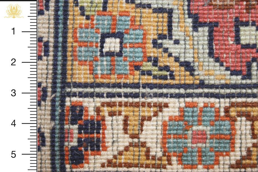 Kashmir 213x149 closeup on knots from behind