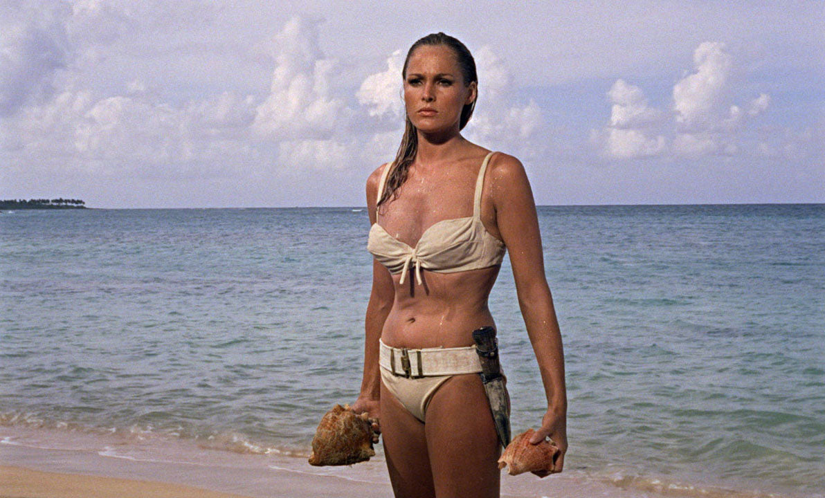 Ursula Andress - James Bond
