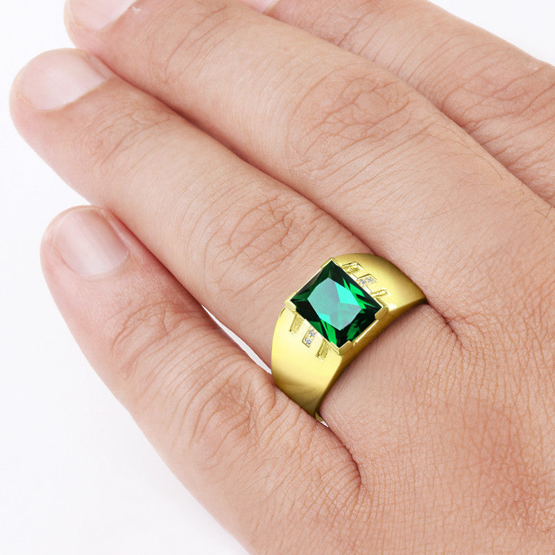 Very Men's Emerald Ring with Natural Diamonds in 10k Yellow Gold  FZ66