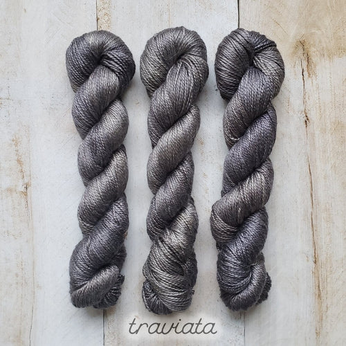 TRAVIATA by Louise Robert Design | ALGUA MARINA hand-dyed semi-solid yarn