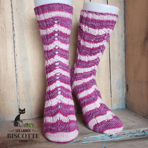 Flamingo Flamenco Socks | Knitting Pattern