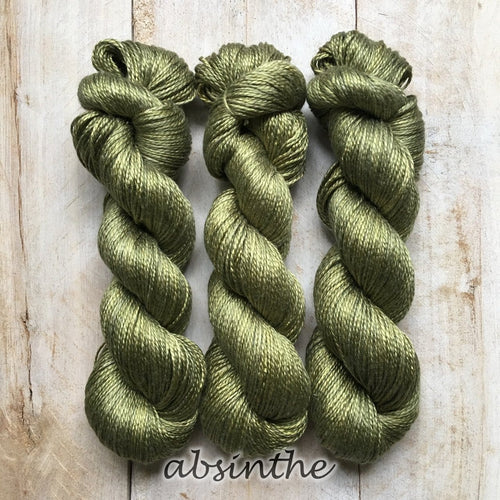 ABSINTHE by Louise Robert Design | ALGUA MARINA hand-dyed semi-solid yarn