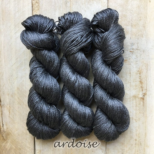 ARDOISE by Louise Robert Design | ALGUA MARINA hand-dyed semi-solid yarn