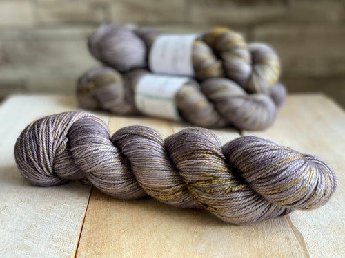 ATHENA by Louise Robert Design | DK PURE hand-dyed Speckled yarn