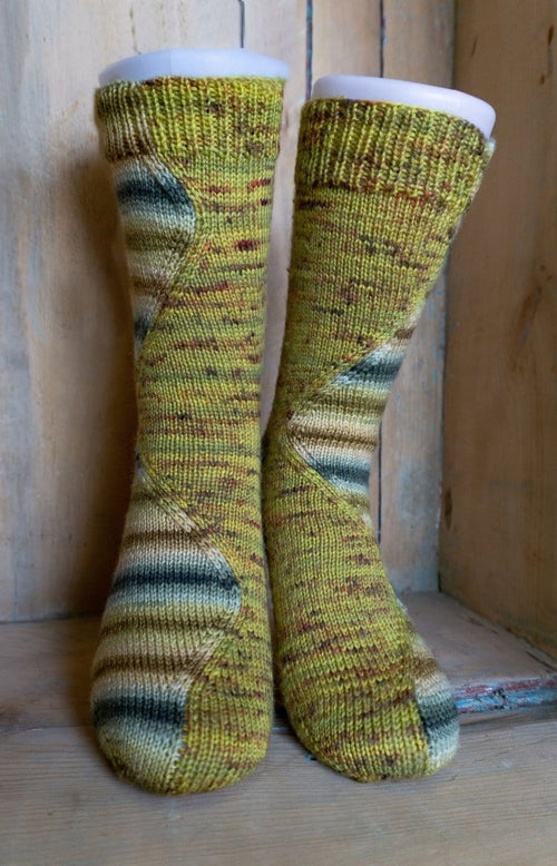 "Sock pattern ""Stitch-Surfer"""