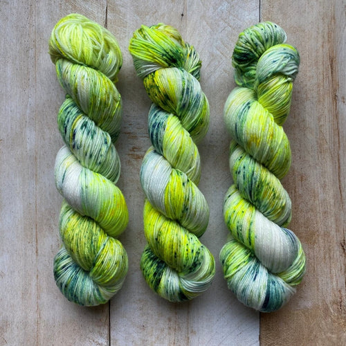 Bis-sock yarn Grenouille speckled hand-dyed yarn | 100g(2x50g) or 50g mini skein size