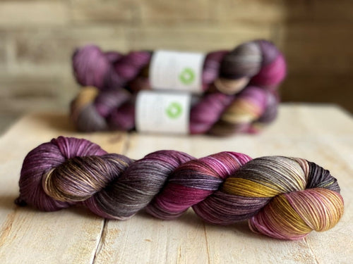Bis-Sock yarn MEDUSE speckled hand-dyed yarn | 100g(2x50g) or 50g mini skein size
