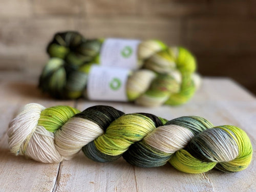Bis-Sock yarn TAIGA speckled hand-dyed yarn | 100g(2x50g) or 50g mini skein size