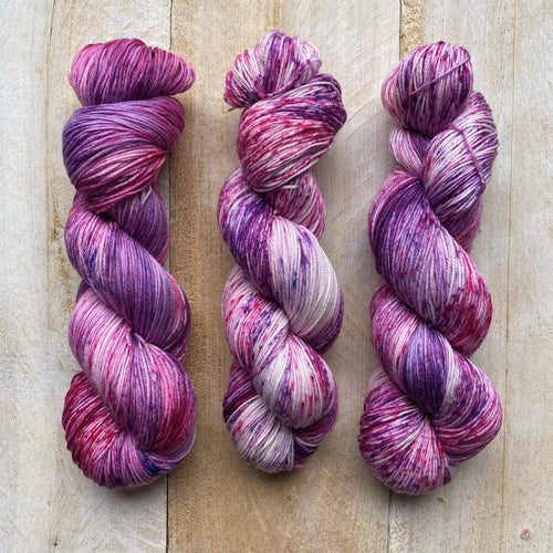 Bis-Sock yarn BlackBerry Smoothie speckled hand-dyed yarn | 100g or 50g mini skein size