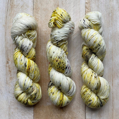 Bis-sock yarn Seashell speckled hand-dyed yarn | 100g(2x50g) or 50g mini skein size