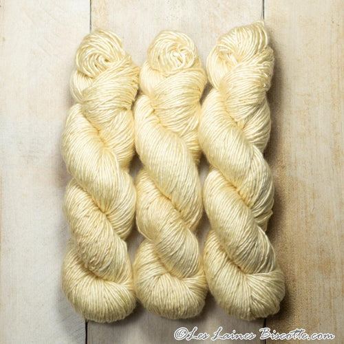 Albus - Merino & Silk Wool ♥ 1 ply knitting wool BISCUIT