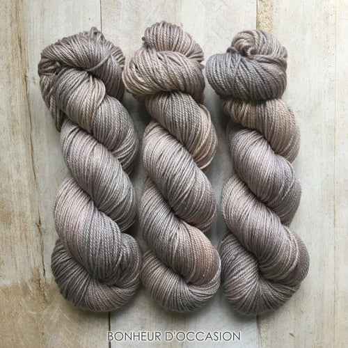 BONHEUR D'OCCASION by Louise Robert Design | DK PURE hand-dyed semi-solid yarn