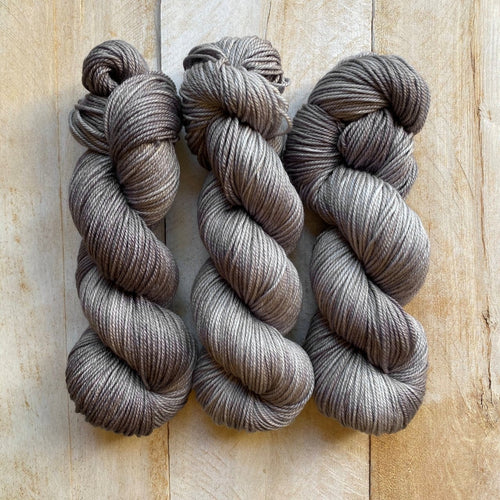 DK Pure semi-solid Yarn - Gris-Gris