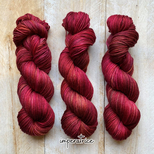 IMPÉRATRICE by Louise Robert Design | DK PURE hand-dyed Variegated yarn