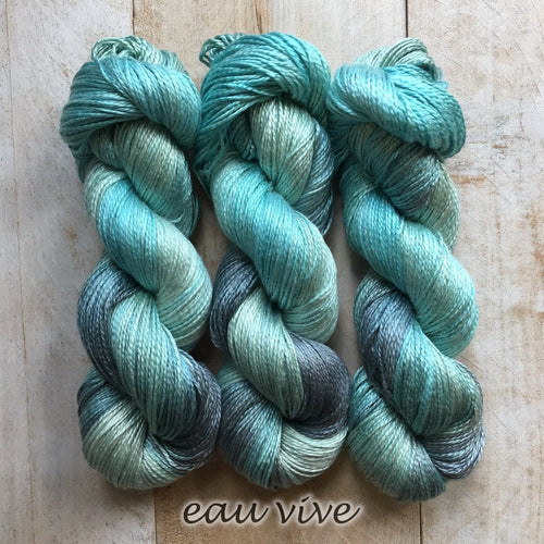 EAU VIVE by Louise Robert Design | ALGUA MARINA hand-dyed Variegated yarn