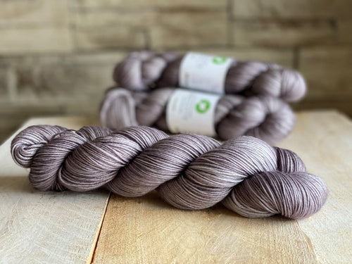 Bis-Sock yarn semi-solid Gris-Gris | 100g or 50g mini-skein