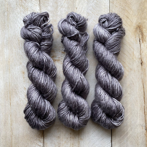 Albus - Merino & Silk Wool ♥ 1 ply knitting wool GRIS-GRIS