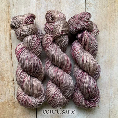 COURTISANE by Louise Robert Design | DK PURE hand-dyed Speckled yarn