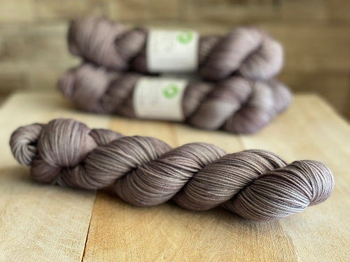 La Douce MCN Sport Weight Yarn ♥ Gris-Gris