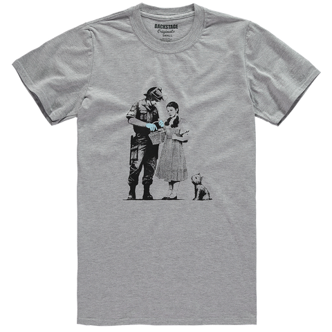 Dorothy and Policeman Men's T-shirt